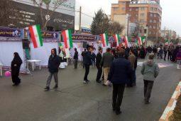 برپایی غرفه های فرهنگی در راهپیمایی سالروز چهلمین سال پیروزی انقلاب اسلامی در کرمانشاه+تصاویر