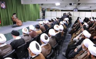 امام خامنهای: عدم انقلابیگری برخیها به امید امت اسلام ضربه میزند