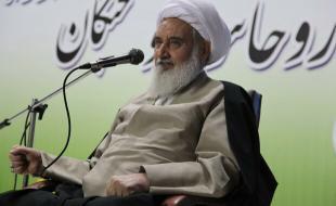 روحانیون و نخبگان حافظان امنیت و بقای کشور هستند
