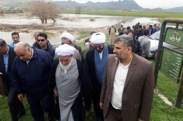 نماینده ولیفقیه در استان کرمانشاه از مناطق سیلزده هرسین بازدید کرد
