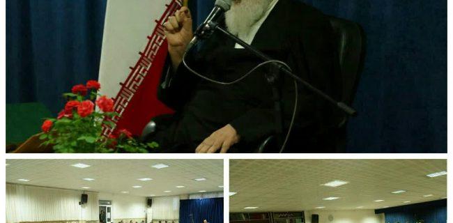 نشست قاریان و فعالین قرآنی استان کرمانشاه با آیت الله علما